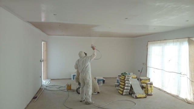 Prijzen latex spuiten v a 3 50 per m incl latex bereken uw prijs voor latex spuitwerk - Spray painting house exterior pict ...