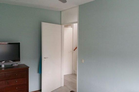 Eindresultaat herstellen en spuiten van slaapkamer