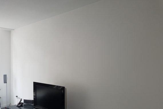Latex gespoten wanden en plafonds in gemeulileerde woning