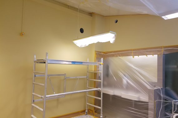 Wanden kleedkamers voor latexspuiten