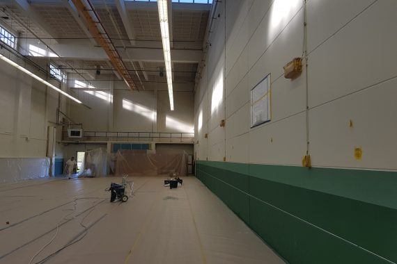Gymzaal voor het spuiten door Voordelig Latex Spuiten