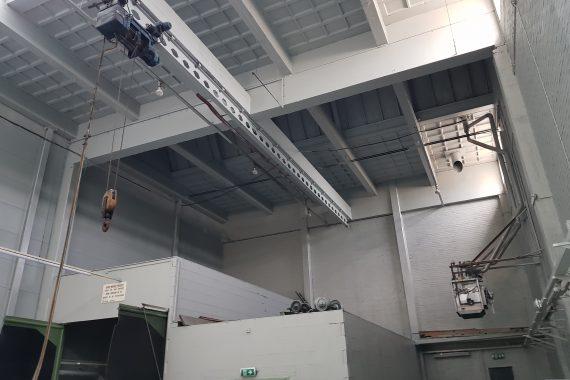 Plafonds met brand en roetschade na het spuiten van latex muurverf door Voordelig Latex Spuiten