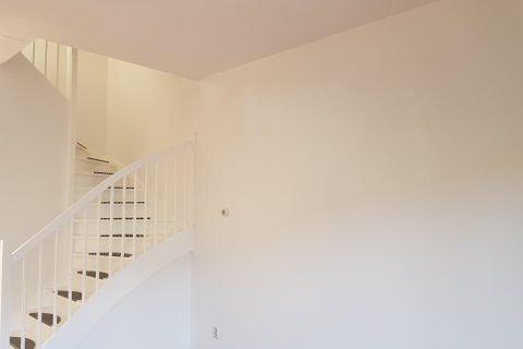 Latex spuiten wanden en plafonds woning Geertruidenberg