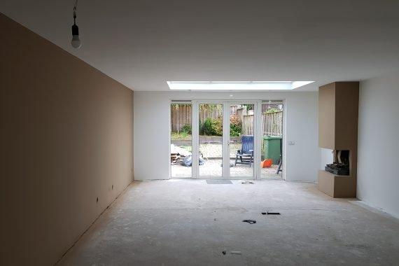 Latex spuiten van woonkamer in meerdere kleuren