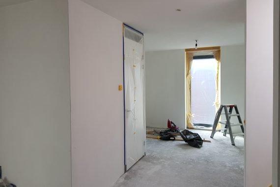 Wanden en plafonds voor het latexspuitwerk door Voordelig Latex Spuiten