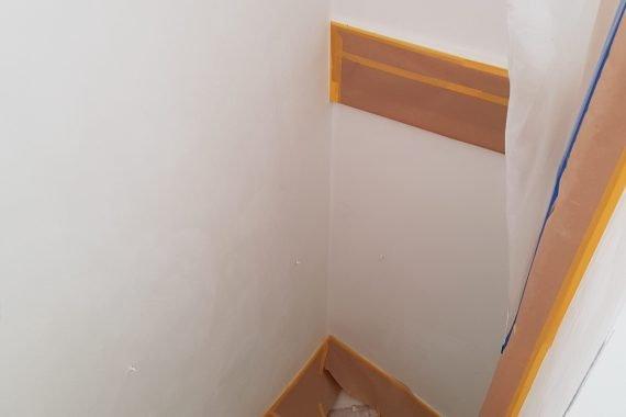 Trappenhuis nieuwbouw woning voor latex spuiten