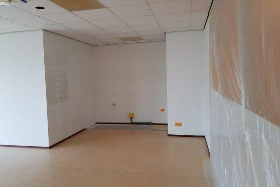 Wanden en systeemplafonds kinderopvang voor latexspuitwerk