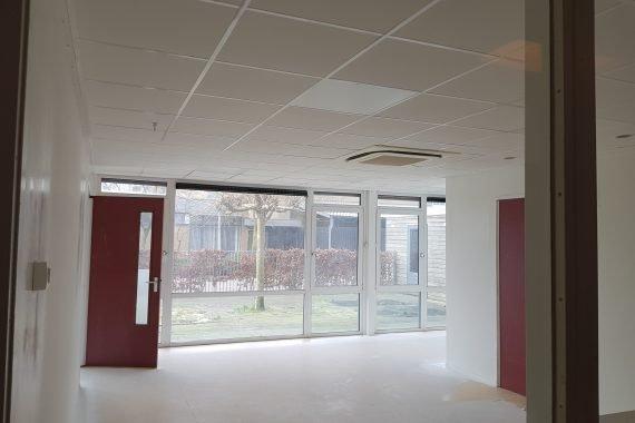 BSO ruimte na het latex spuiten van wanden en plafonds