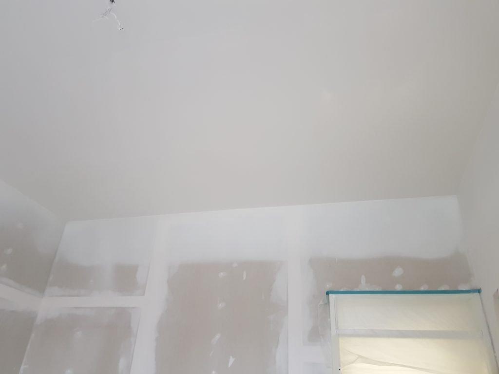 latex spuiten gestucte plafonds nieuwbouw appartementen