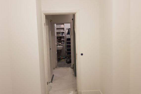 Muren en plafond na het patex spuiten van de slaapkamer en overloop