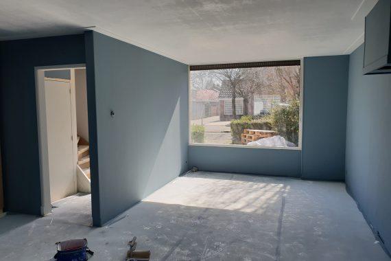Muren en plafond na het latexspuitwerk
