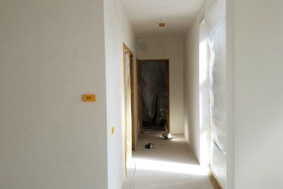 Nieuw gestucte wanden en plafonds voor het Airless latex spuiten
