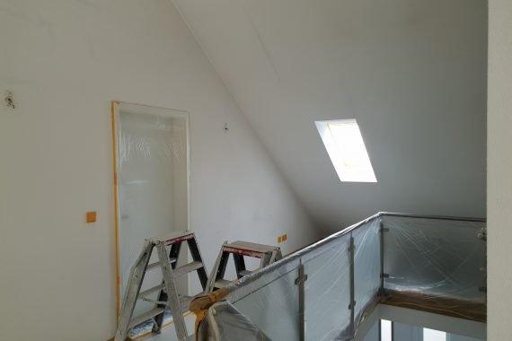 Wanden en plafond voor het latex spuiten