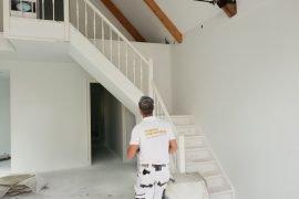 Wanden en plafonds na het latex spuitwerk door onze latexspuiter