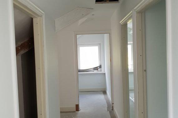 Wanden en plafond na het latexspuiten