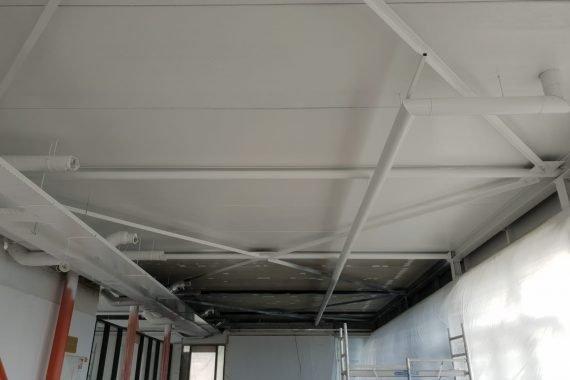 Verschil tijdens het latex spuiten van de plafonds