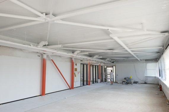 Plafonds na het latex spuitwerk door Voordelig Latex Spuiten